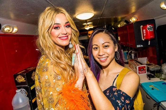 網民直呼太羨慕:Katy Perry 與粉絲紋上成對刺青,原來背後有這個故事!