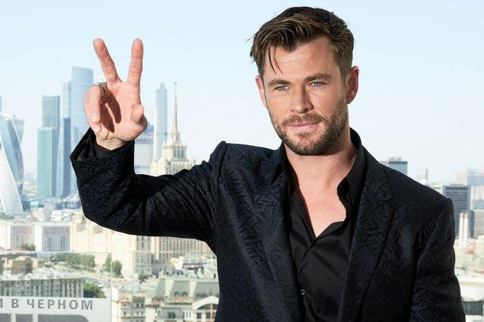 Chris Hemsworth 又放笑彈!與 James Corden 的「侍應挑戰」太爆笑