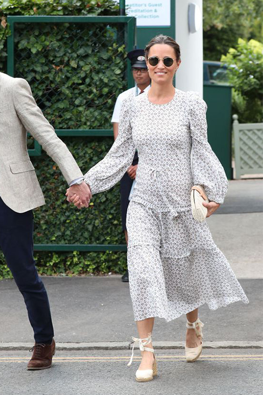 espadrilles princess diana Kate Middleton Meghan Markle shoe style