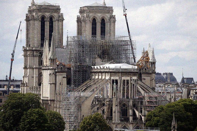 notre dame French billionaires havent paid a cent