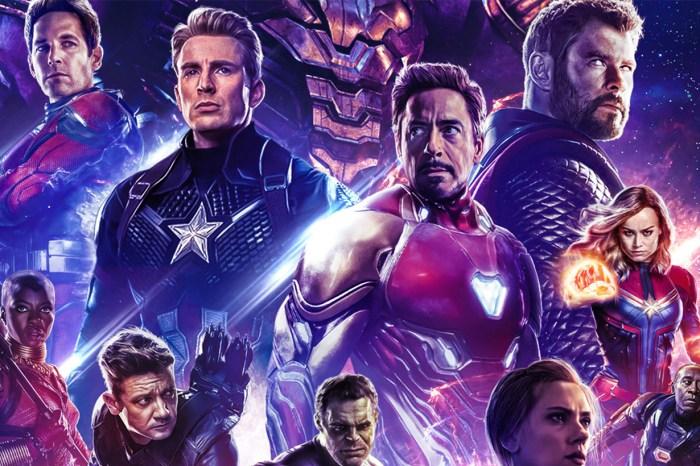 Marvel 釋出「極感動」被刪片段,一眾復仇者向 Iron Man 下跪致敬!