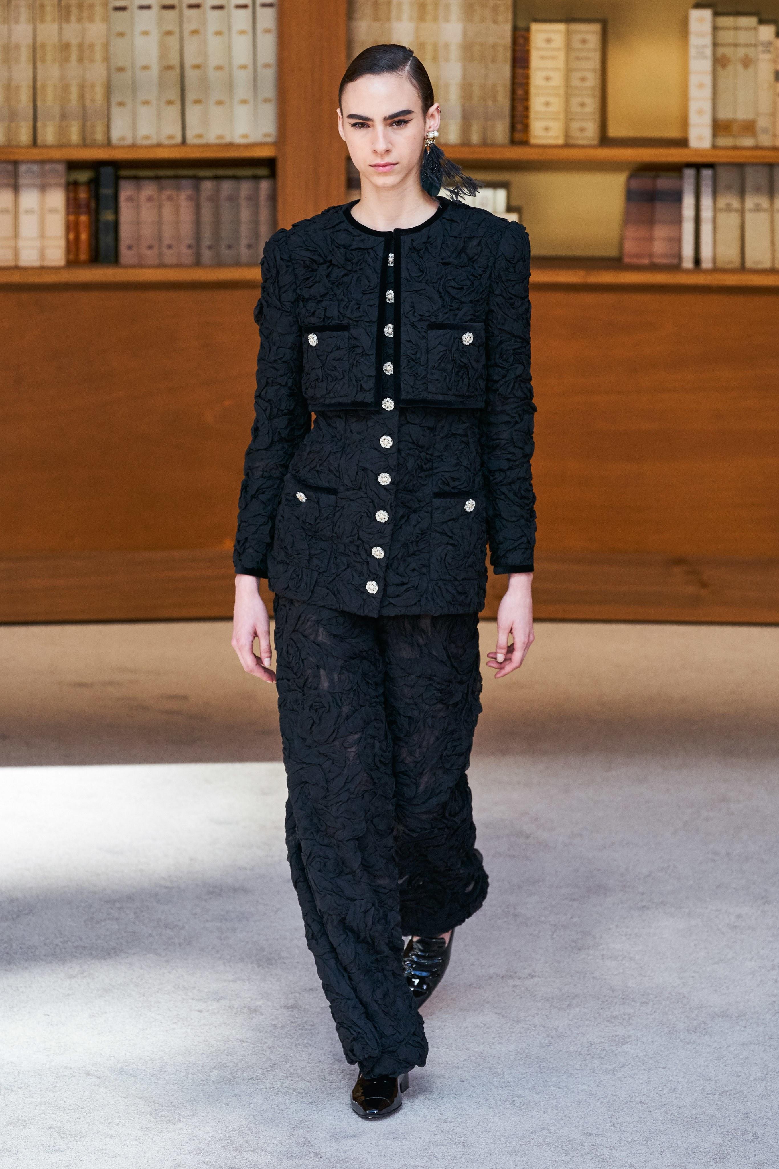chanel haute couture 2019 virginie viard runway show paris