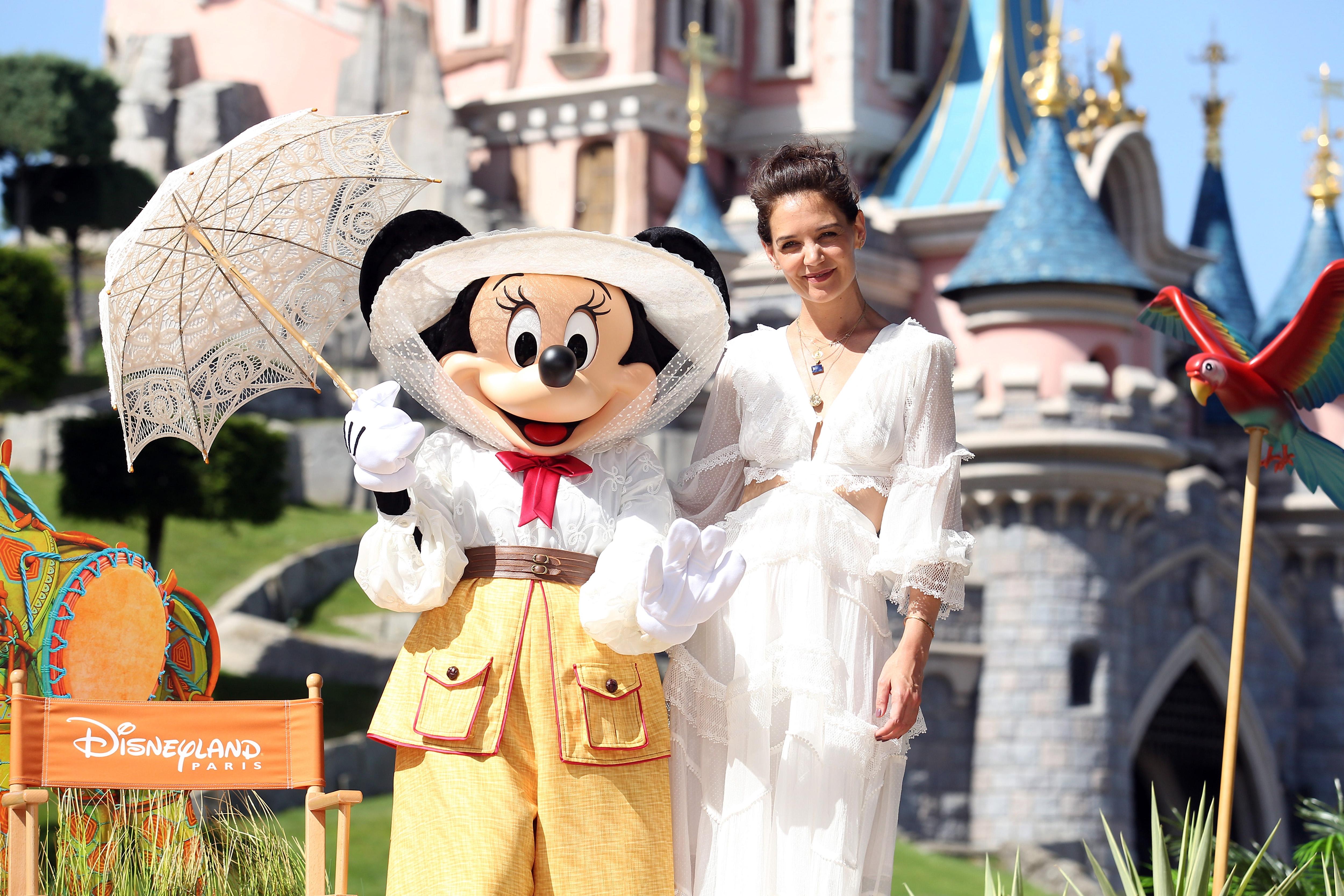 Katie Holmes Zimmerman white dress at Disneyland Paris
