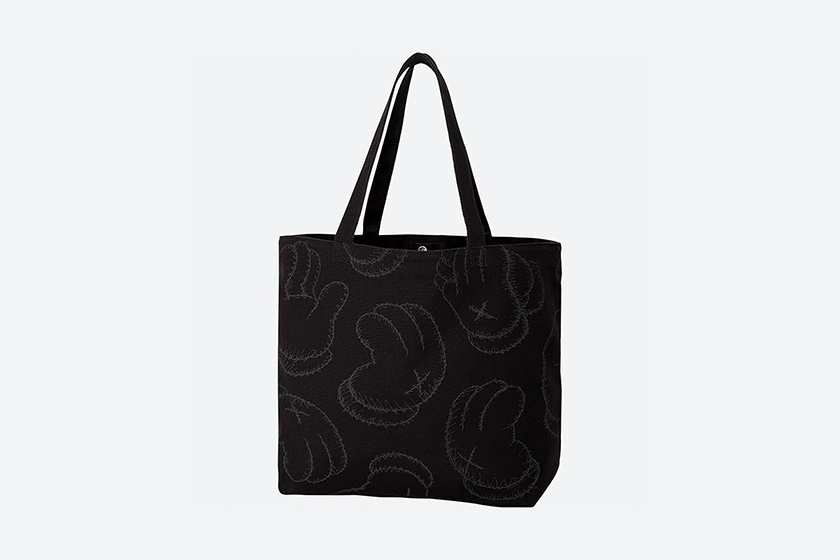 uniqlo kaws summer tee ut tote back online when taiwan where
