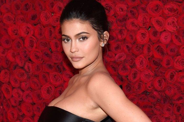 Kylie Jenner 貼全裸 IG 照!女星掀起的 Insta-nude 熱潮,背後藏霸氣原因