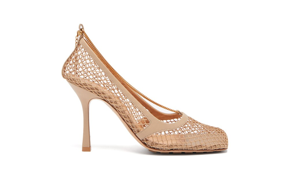 Mesh and Chain Square-Toe Pumps
