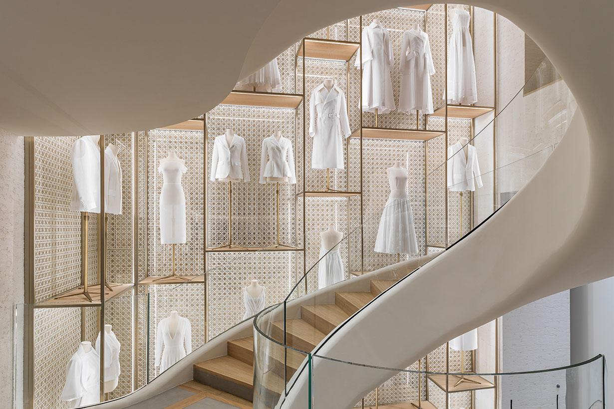 Dior Champs-Elysées boutique