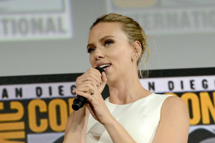 Scarlett Johansson 低調露出婚戒,專家估價:根本是把一個豪宅戴手上!