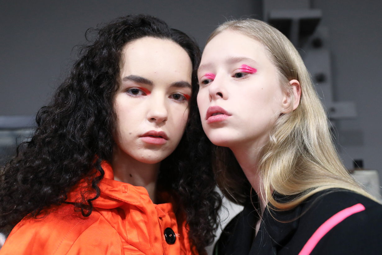 Makeup tips eye shadow makeup tutorial cotton buds korean girls makeup hacks