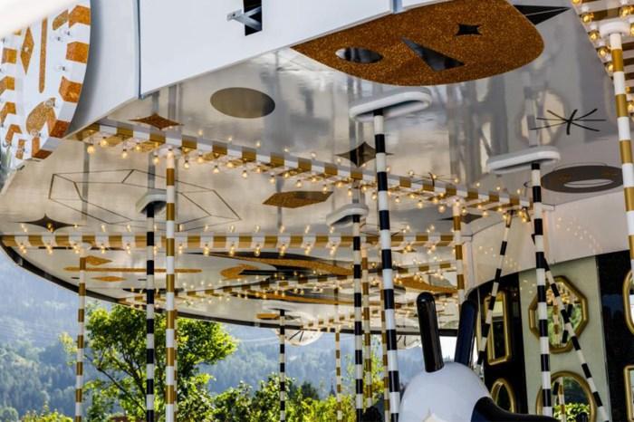 鑲上 1,500 萬顆 Swarovski 水晶!這件最夢幻的藝術品,你想試坐嗎?