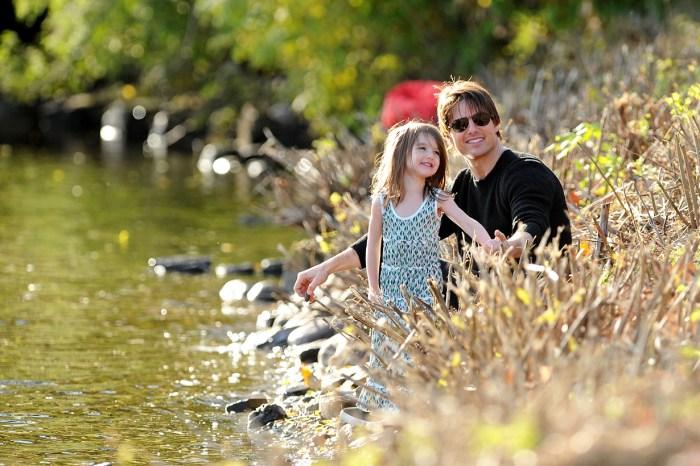 不再是穿高跟鞋的小公主!Tom Cruise 13 歲女兒已經是個長腿少女!