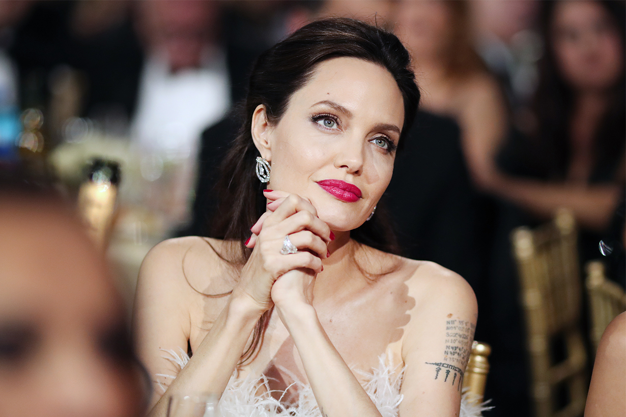 Angelina Jolie Tells Her Daughters That This Is The