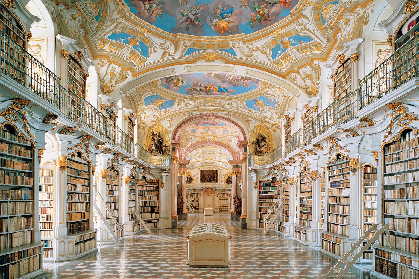 Travel most Beautiful libraries in the World