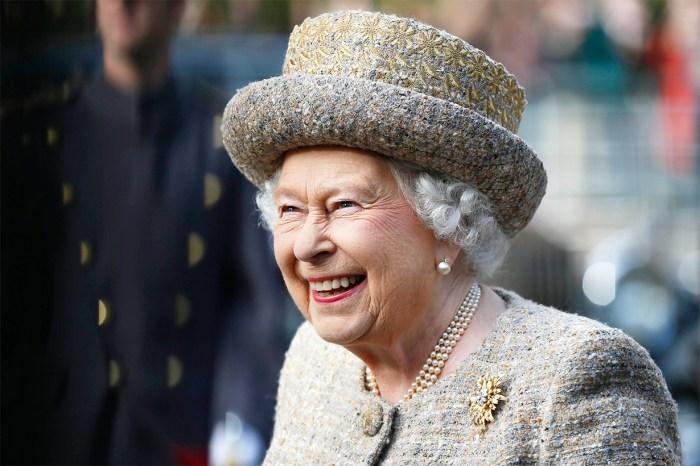 英女王最近會見的這位「嘉賓」,原來曾經偷吃她的花束!