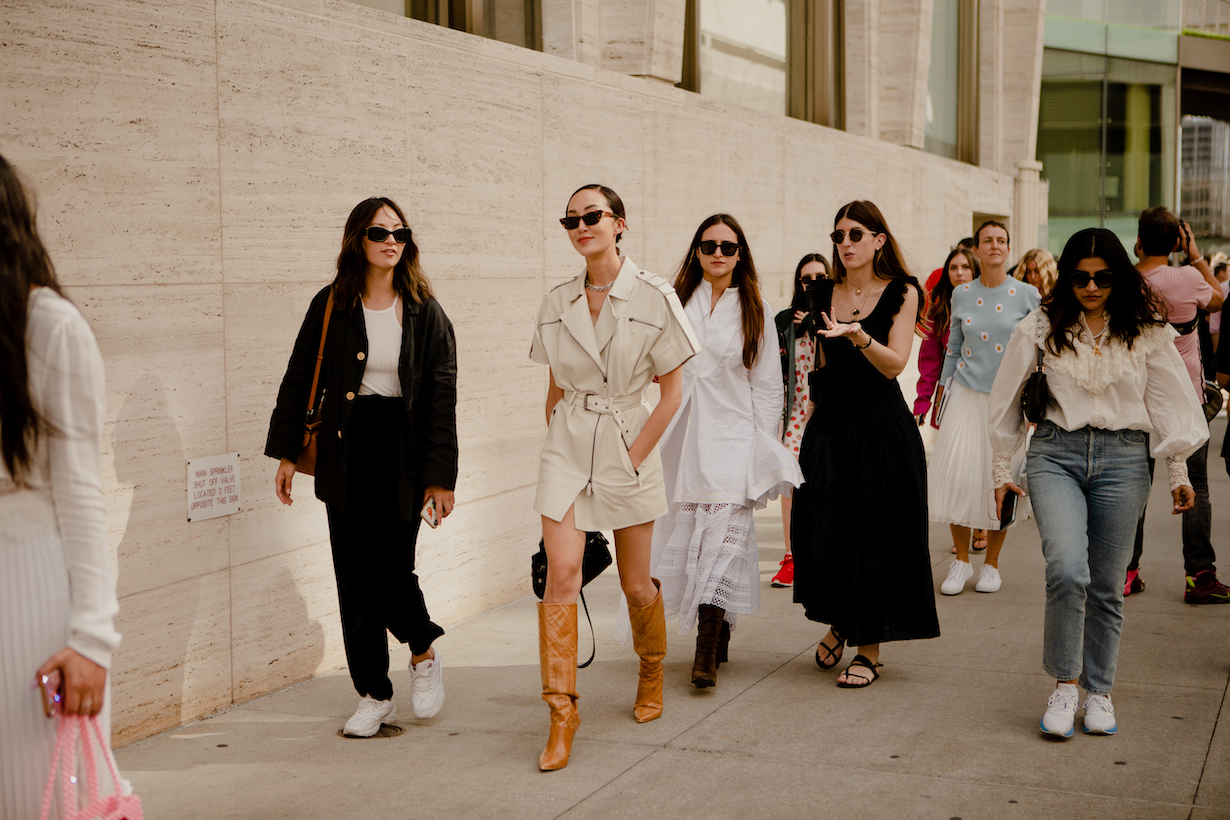 nyfw new york fashion week street snaps styling @weitinneedsfood