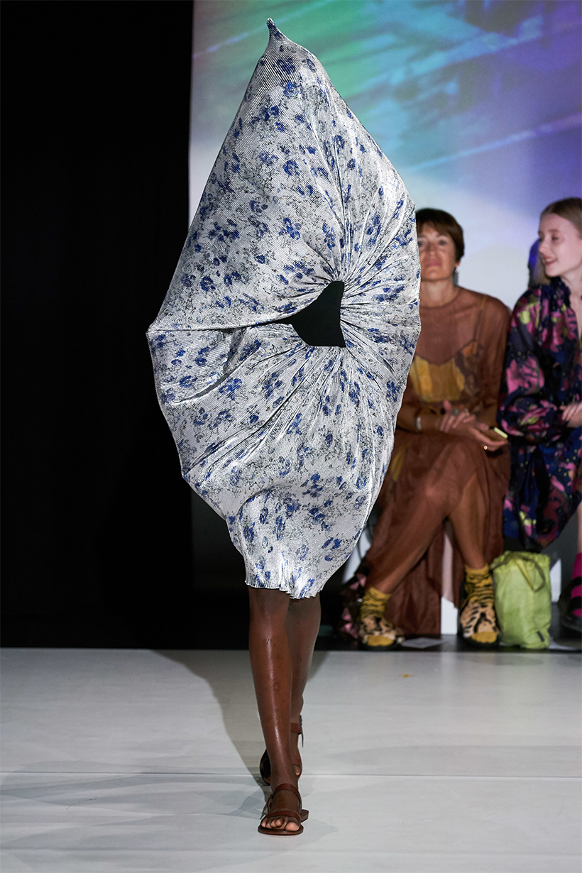 Hussein Chalayan SPRING 2020 READY-TO-WEAR Post-Colonial Body