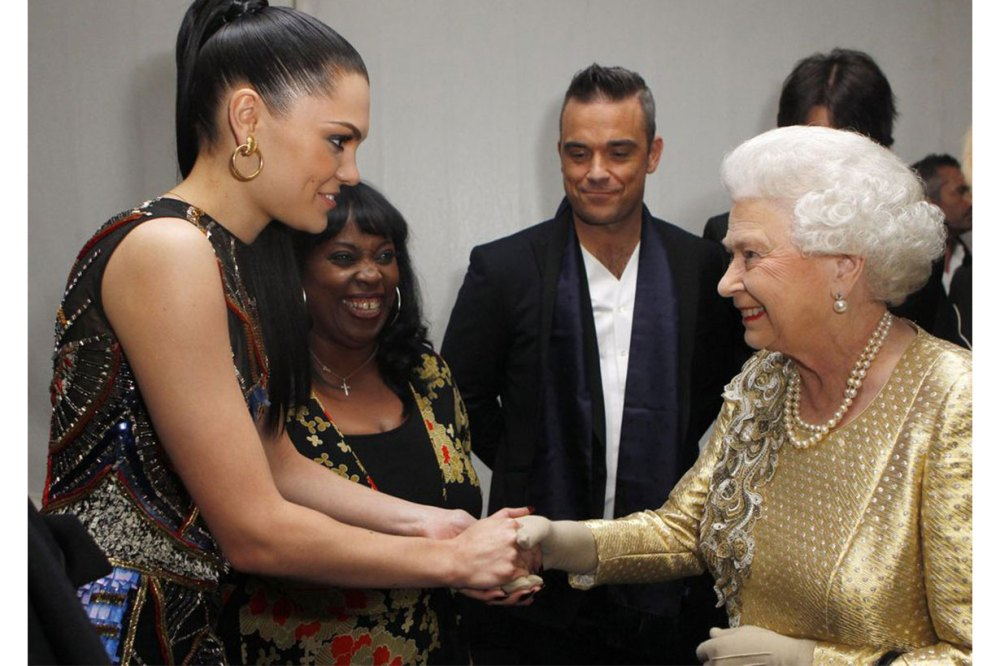 celebrities outfits style when meet-the-queen