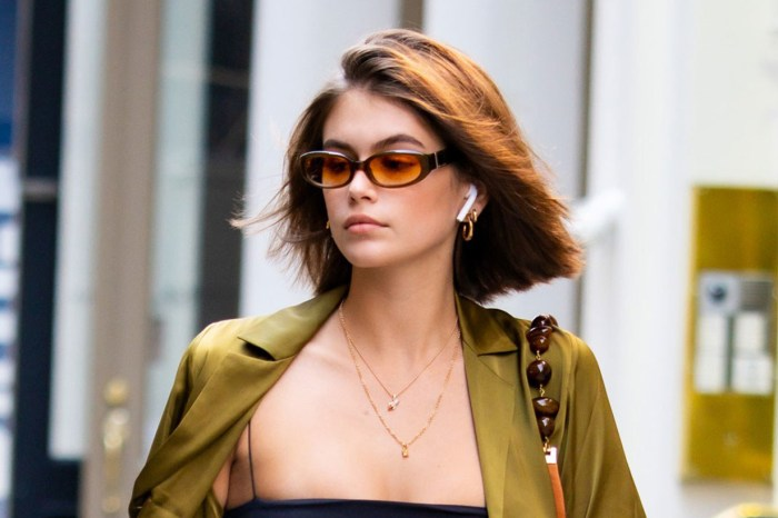 參考超模 Kaia Gerber:開胸毛衣這樣穿,襯出秋季獨有的小性感!