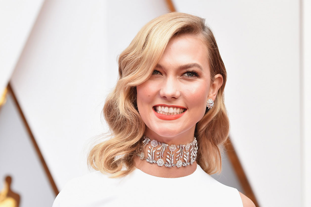Karlie Kloss just cut her hair into a short blunt bob