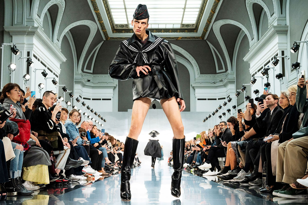 Leon Dame's High-Stakes Runway Walk Is Making Twitter Freak Out