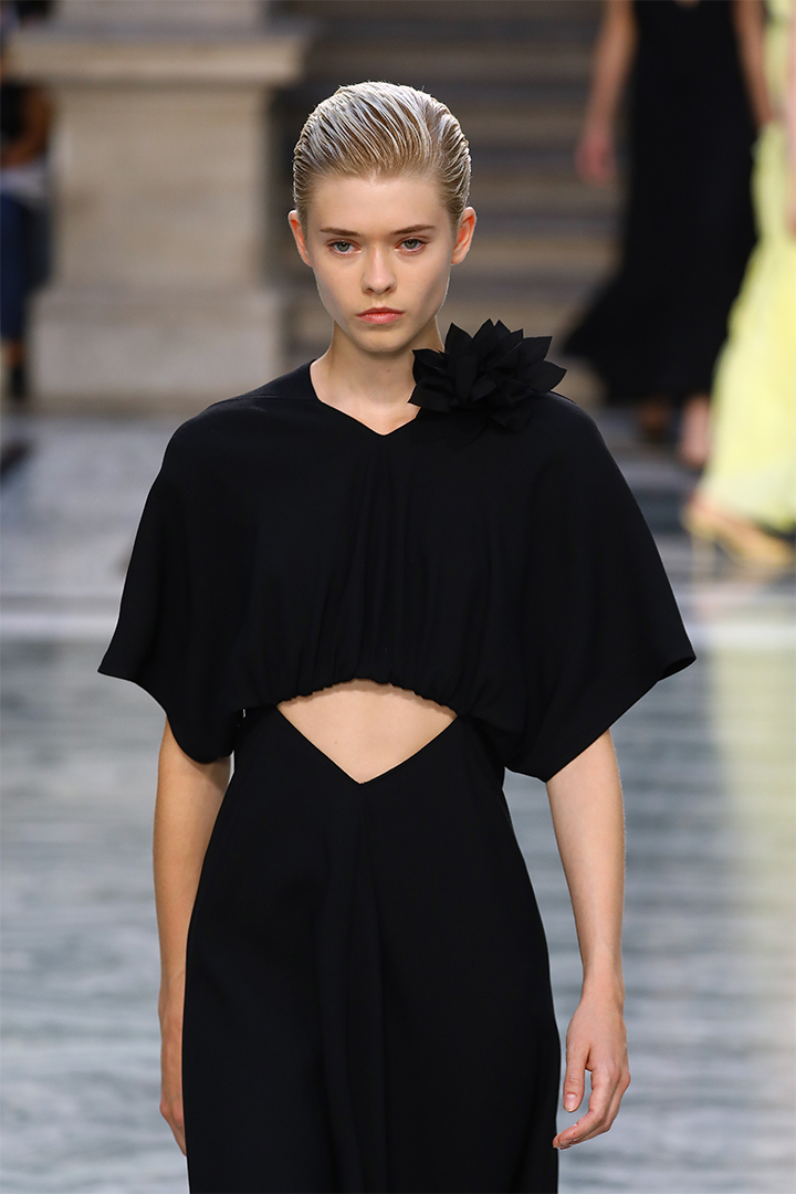 London Fashion Week LFW 2020 Spring Summer SS20 Hairstyles trend Bang Hairstyles Side Parted hairstyles Ports 1961 Victoria Beckham