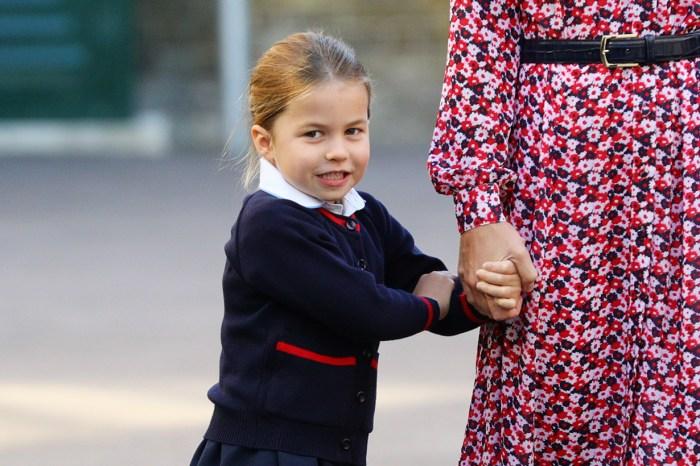 夏洛特公主校服造型曝光!與老師握手一幕,可以重溫 100 次