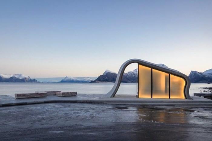 宛如藝術品:全球最美公廁坐落於挪威小鎮,簇擁冰川雪山大自然美景!