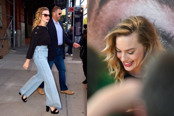 接下來的秋冬,你或許只需要 Margot Robbie 身上這條簡單的牛仔褲!