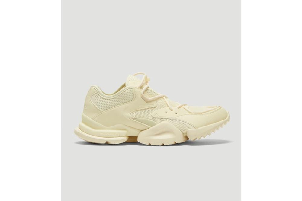 Run R 96 Sneakers in Cream