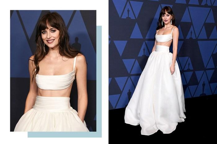 浪漫率性: Dakota Johnson 身穿兩截式純白禮服,其中最大亮點為這個部份!