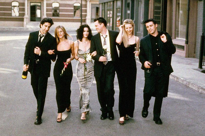 Jennifer aniston says friends cast working together