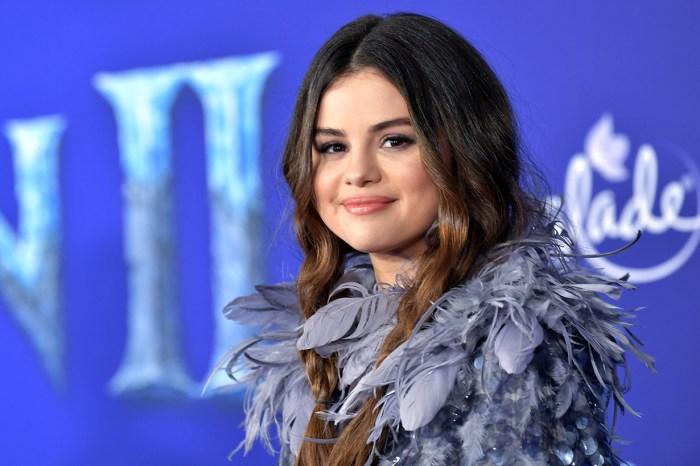 《Frozen 2》首映會紅毯上 Selena Gomez 和妹妹以雙胞胎造型現身引起討論!