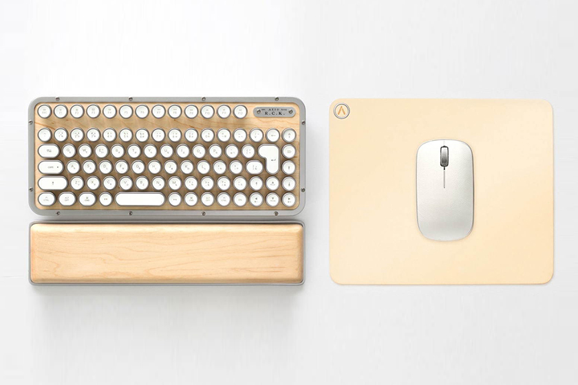 AZIO Retro Classic workspace Keyboard