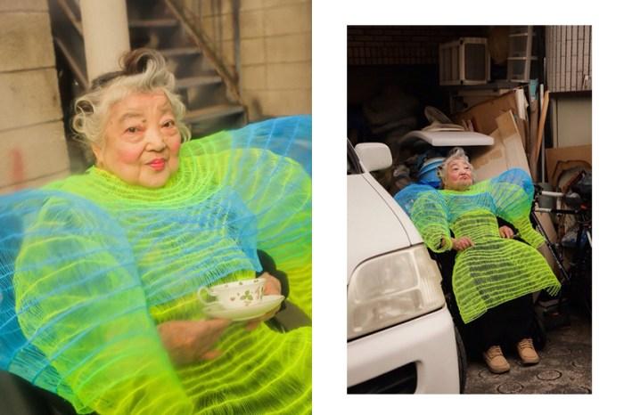 從精神科護士轉而踏入時裝界,坐在輪椅上的奶奶是她一生的繆思靈感!