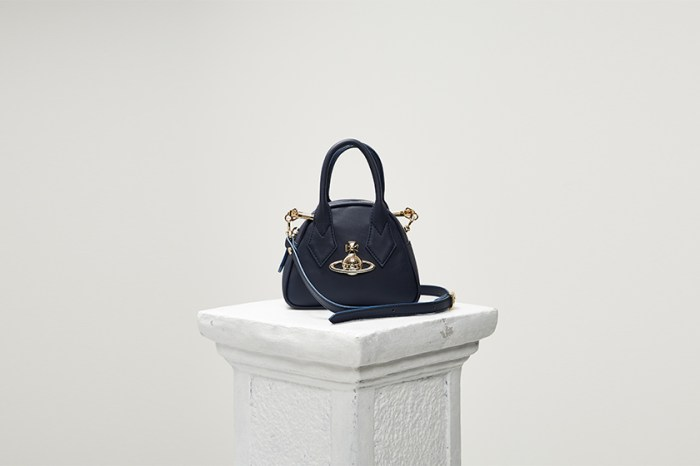 Vivienne Westwood 引起注目的限量迷你手袋,原來是復刻自這款 1987 年誕生的經典!