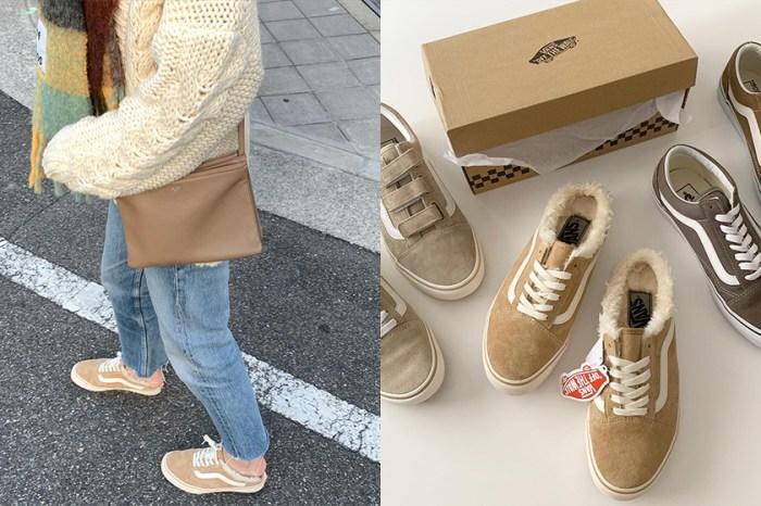 冬天就等這一雙:跟日本女生一起穿上 Vans 毛茸茸的奶茶色穆勒鞋!