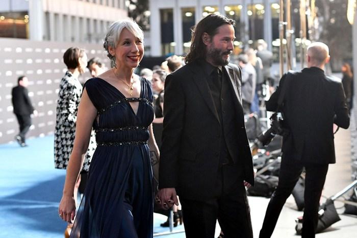 了解 Keanu Reeves 戀人 Alexandra Grant 滿頭白髮的原因,會讓你更愛上她!