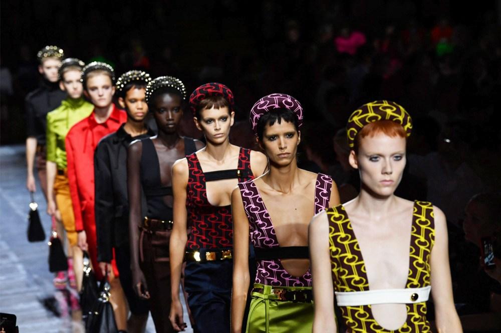 Chanel Métiers d'Art Runway Miuccia Prada 2019 Spring Fall Winter Padded Headband Trend Kate Middleton Kaia Gerber Hair Accessories