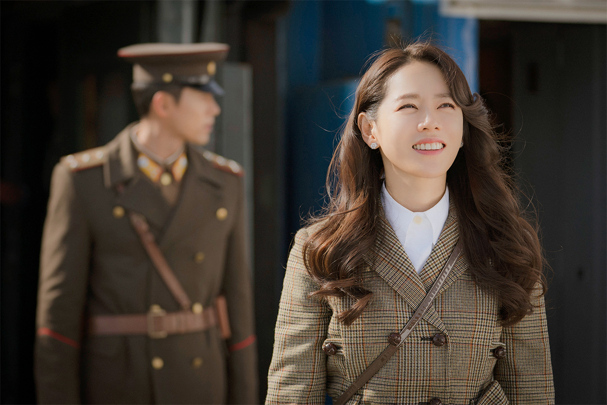 Son Ye Jin Hyun Bin Crash Landing On You Netflix tvN Drama Korean Drama North Korea Korean idols celebrities actors actresses