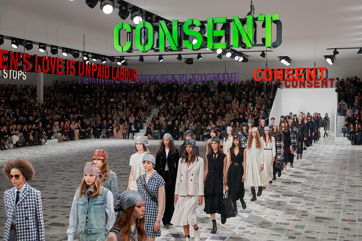 Paris Fashion Week 2020 Fall Winter Christian Dior Headband Bandana Hair Accessories Hairstyles Trend Hair Styling Tips