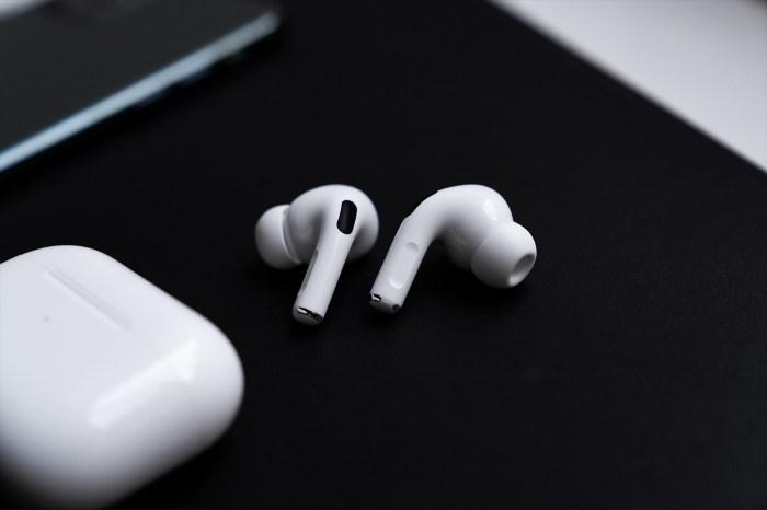 小資族們注意了:據傳 Apple 平價版「AirPods Pro Lite」將在 2020 年中推出!