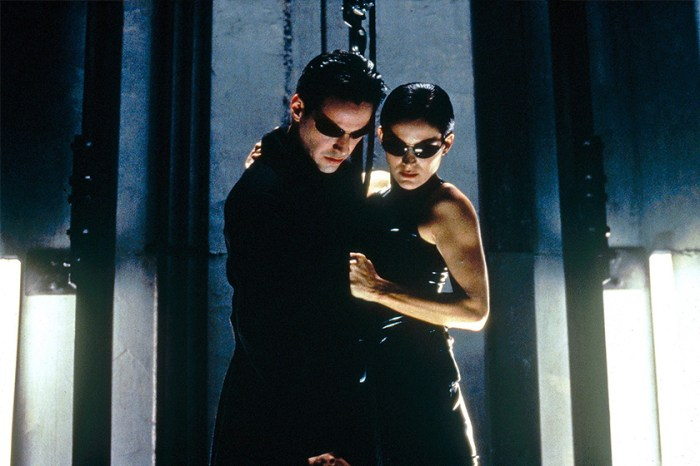 Keanu Reeves 於《The Matrix 4》造型曝光,網民:「跟以往分別也太大了吧!」