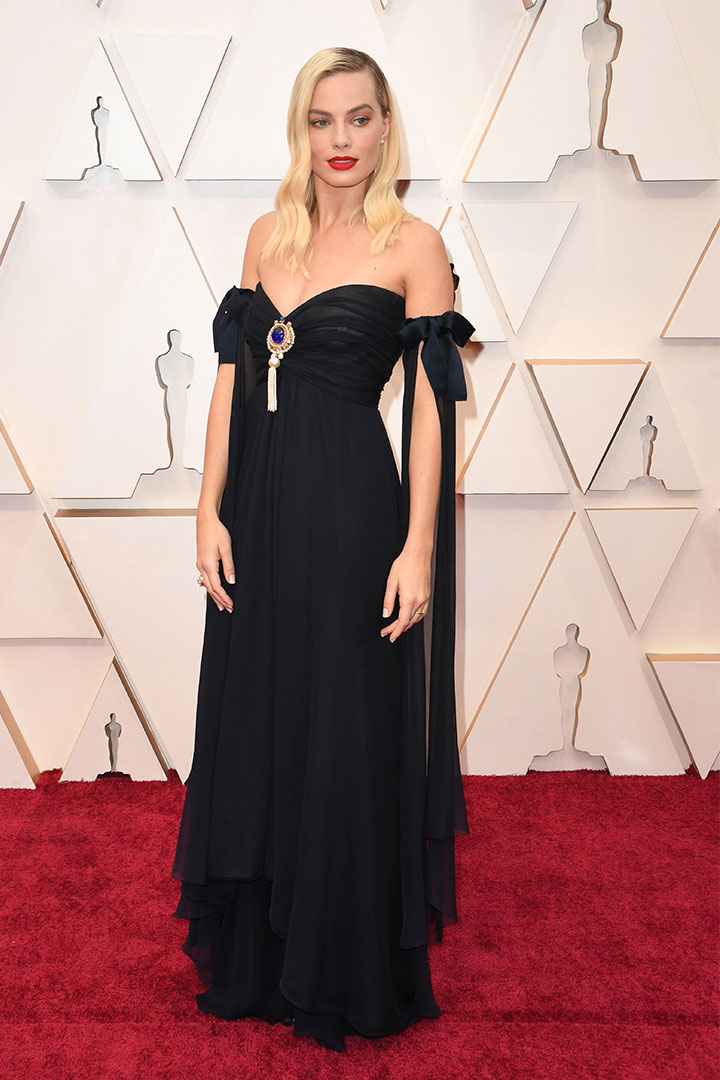 MARGOT ROBBIE'S OSCARS DRESS WAS INSPIRED BY AN ICONIC VINTAGE CHANEL LOOK