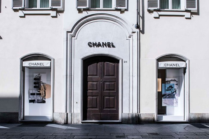 Chanel 也將生產口罩和防護衣,更願意繼續為員工支付薪金!