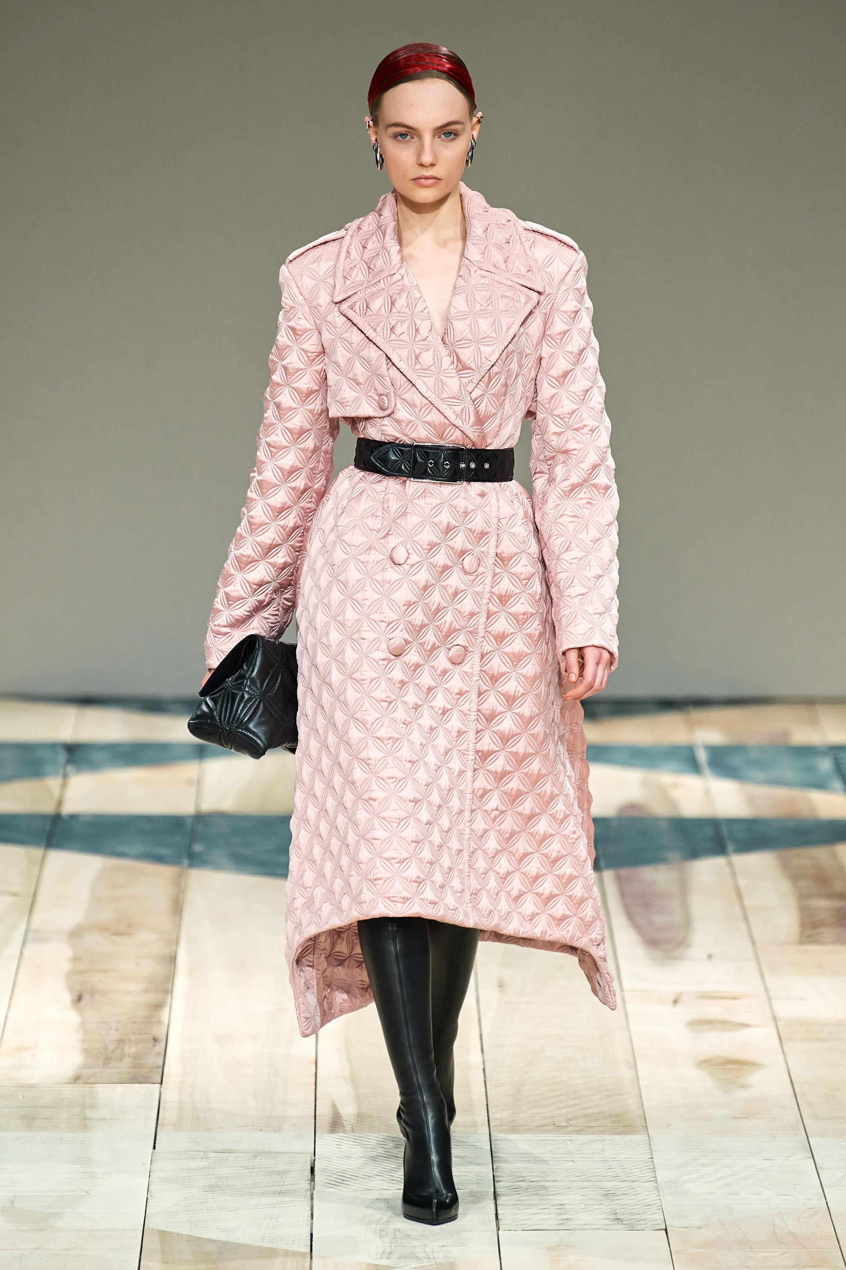 Paris fashion shows Alexander mcqueen 2020 ready to wear