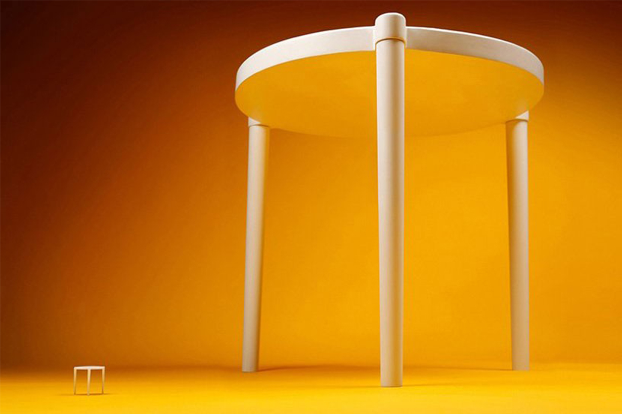 IKEA & pizza hut create a life-size version of the tiny tables that come in pizza boxes