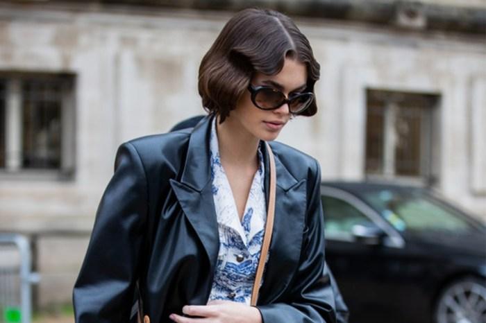 Kaia 用的這款 Saint Laurent 手袋,低調復古的外型令女生難以抵抗!