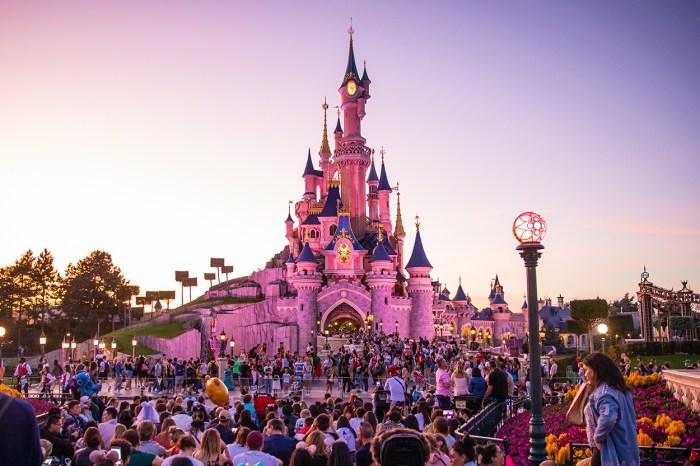 無法旅遊的日子裡,Disney 貼心推出線上也能享受的「Disney Magic Moment」