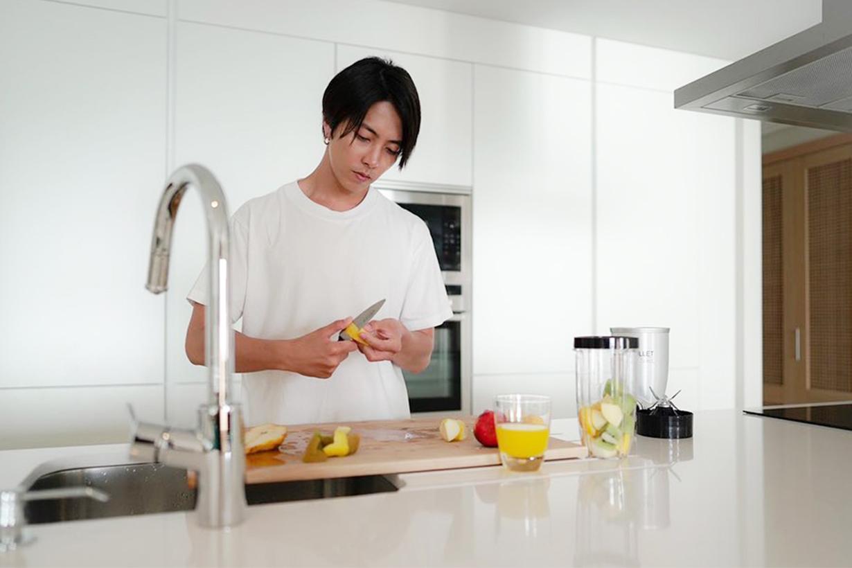 Yamashita Tomohisa Detox Water Covid-19 Coronavirus Wuhan Pneumonia  Improve the immunity Fruits Water Remix Healthy Diet Lose Weight Japanese idols celebrities actors