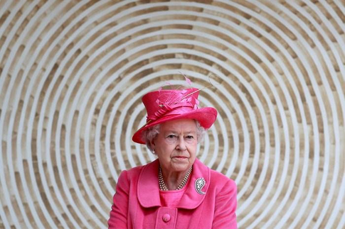 英女皇釋出善意,趁著這個日子說明跟哈里一家的關係!